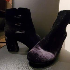 Nine West Black Booties - Size 7